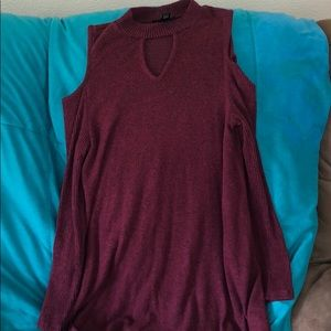 M sized sweater dress with slit shoulders